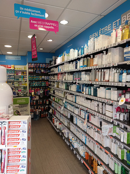 Mobilier mural pharmacie