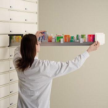 Tiroir-colonne-pharmacie-operatrice