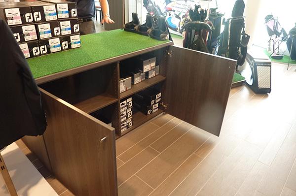 Meuble centrale pro shop - rangement